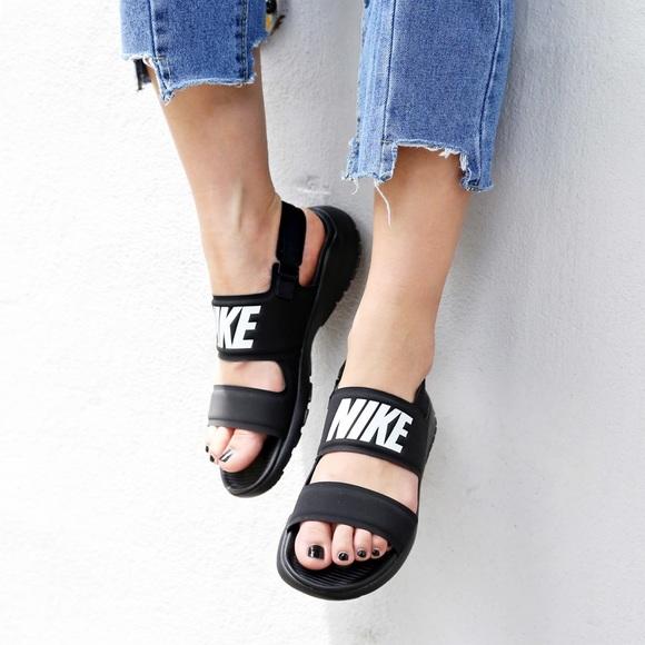 f1bc291bd96d NWT Nike Tanjun Sandals